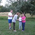 A gyerekek örömmel mutatják az oklevelet, melyet csak a rendszeres sportolók érdemeltek ki