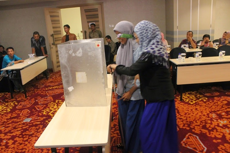 South Kalimantan Workshop Election Voting Simulation 27-28 June 2014- 3 (E)