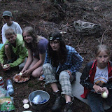 Příprava večeře - cibulka, těstoviny, vepřovka...