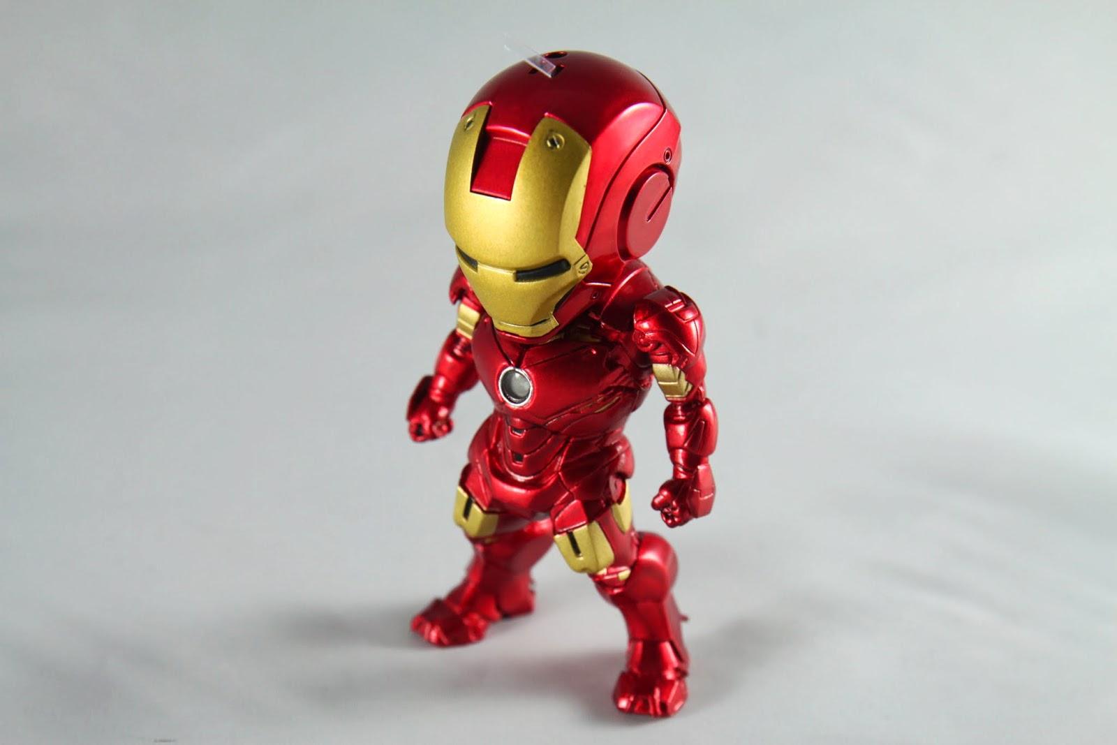 登場於電影第二集開始的裝甲 跟mk III比起來就是武裝比較豐富