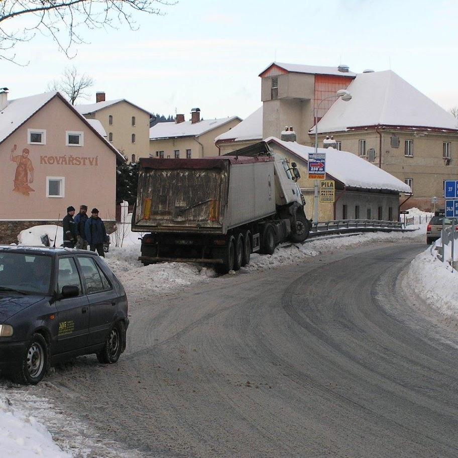 Nehoda kamionu - P1280084