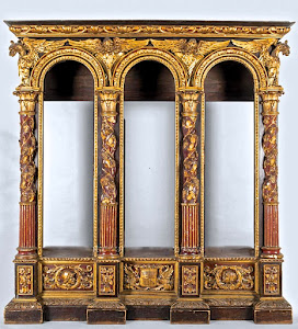 Изумительный, очень редкий книжный шкаф  для библиотеки Италия ок.1850 г. Дерево, резьба, позолота, краски, разноцветный лак. 220/50/255 см. 29000 евро.