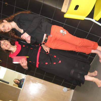 Вы еще не нашли себе подругу – девушку, мечтающую жить босиком? А такие у нас есть: http://rbfeet.com/dating/ Брачное агентство BAREFOOT LUCK – 100% босоногие подруги!