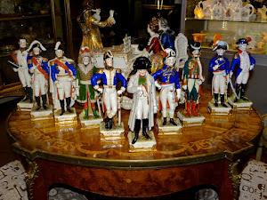 """Коллекция """"Офицеры армии Наполеона"""". Германия ок.1900 г. Фарфор, роспись, подпись.  Высота 23 см. 1900 евро."""
