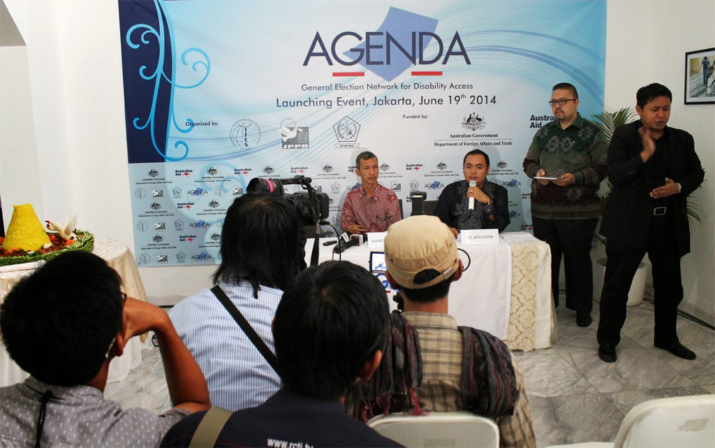 Press Conference on AGENDA launching event with sign interpreter