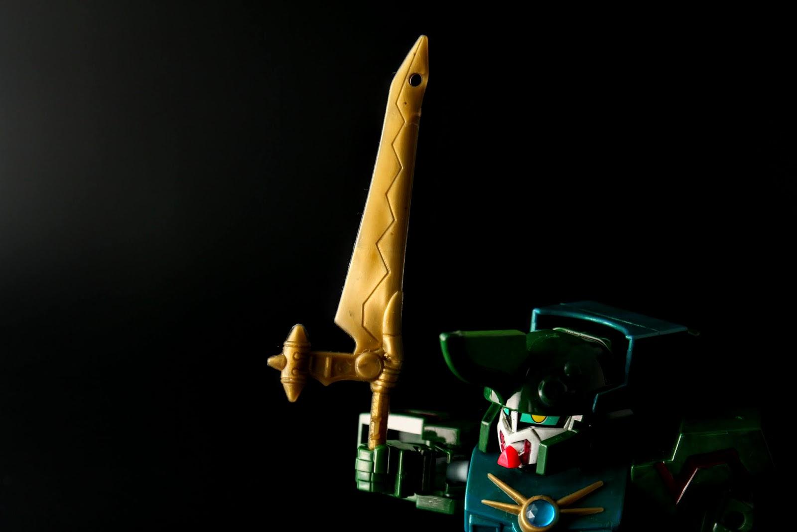 緑樹魔剣,跟白晶透剣一樣超大把