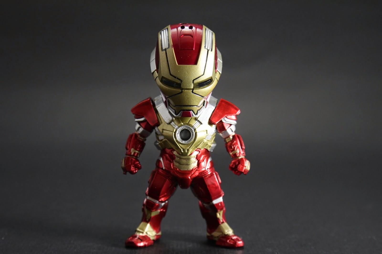 "MK XVII是強化胸口光線的裝甲 btw 我玩遊戲用漢化這套裝甲叫""負心人"""