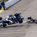 Start crash with Mark Webber (AUS), Williams F1 Team and Christian Klien (AUT), Red Bull Racing