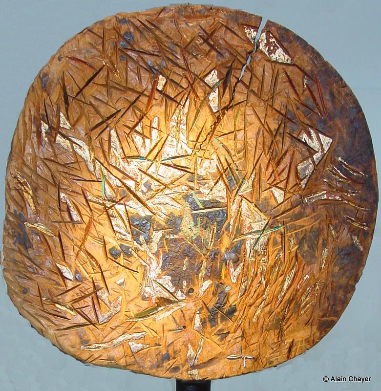 081.1 - Front de Taille (Zoom détail) - 1997 Diam. 62 Sculpture bois polychrome