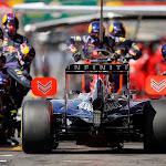 Sebastian Vettel (GER/ Infiniti Red Bull Racing) pitstop