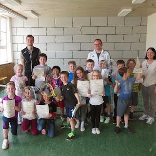 """""""Schule und Tennis"""" an der Grundschule Engertsham vom 09. März bis 13. April 2015"""