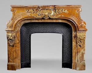 Красивый каминный портал из мрамора. 19-й век. Мрамор, позолоченная бронза. 175/70/141 см