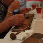 Ügyes kezű asszonyok készítik acsigát