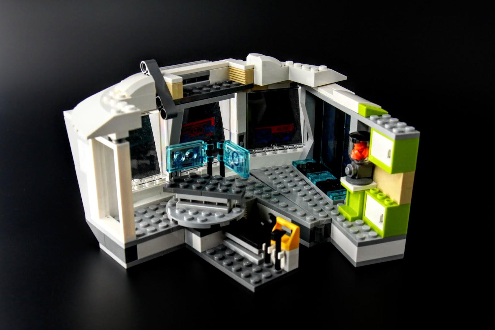 但其實只有別墅的一隅,而且跟設定不一樣,這區塊原本應該是客廳之類的