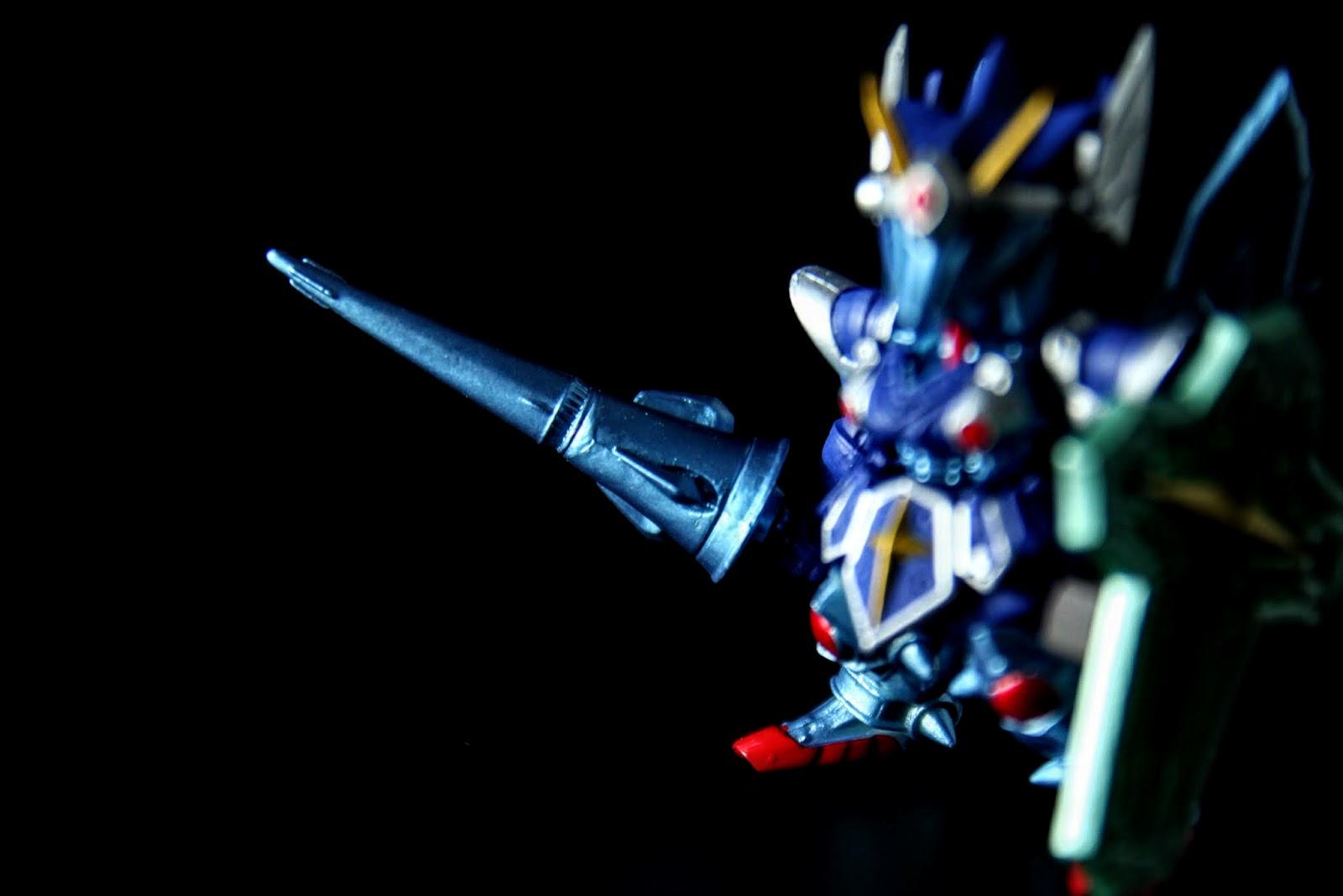 電磁長矛, 他不是三神器之一, 但會放電