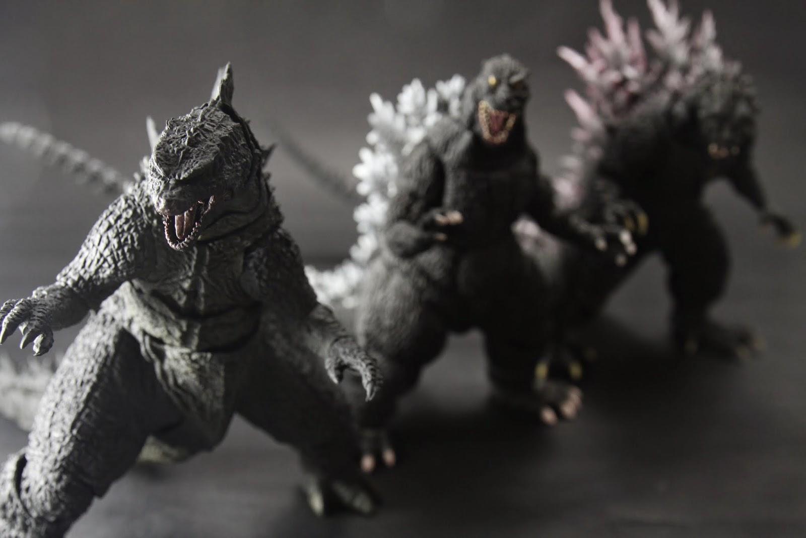 2000版的太像爬蟲類,整個前傾嚴重 不過三種皆有不同的霸氣