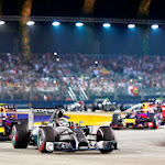 2nd lap Lewis Hamilton, Mercedes F1 W05 Hybrid leads