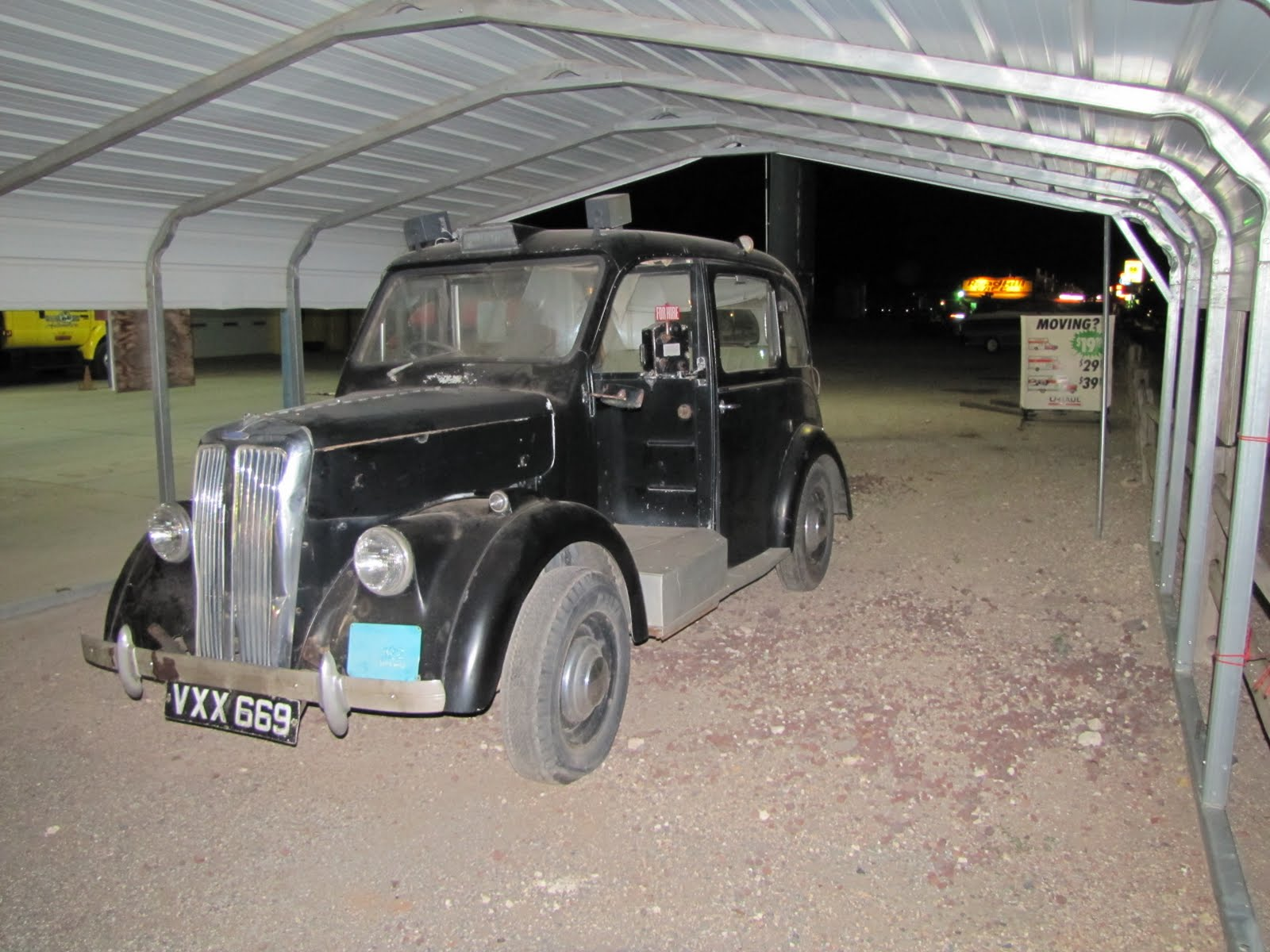 Route 66, Arizona, 1958 Austin FX3 London Taxi