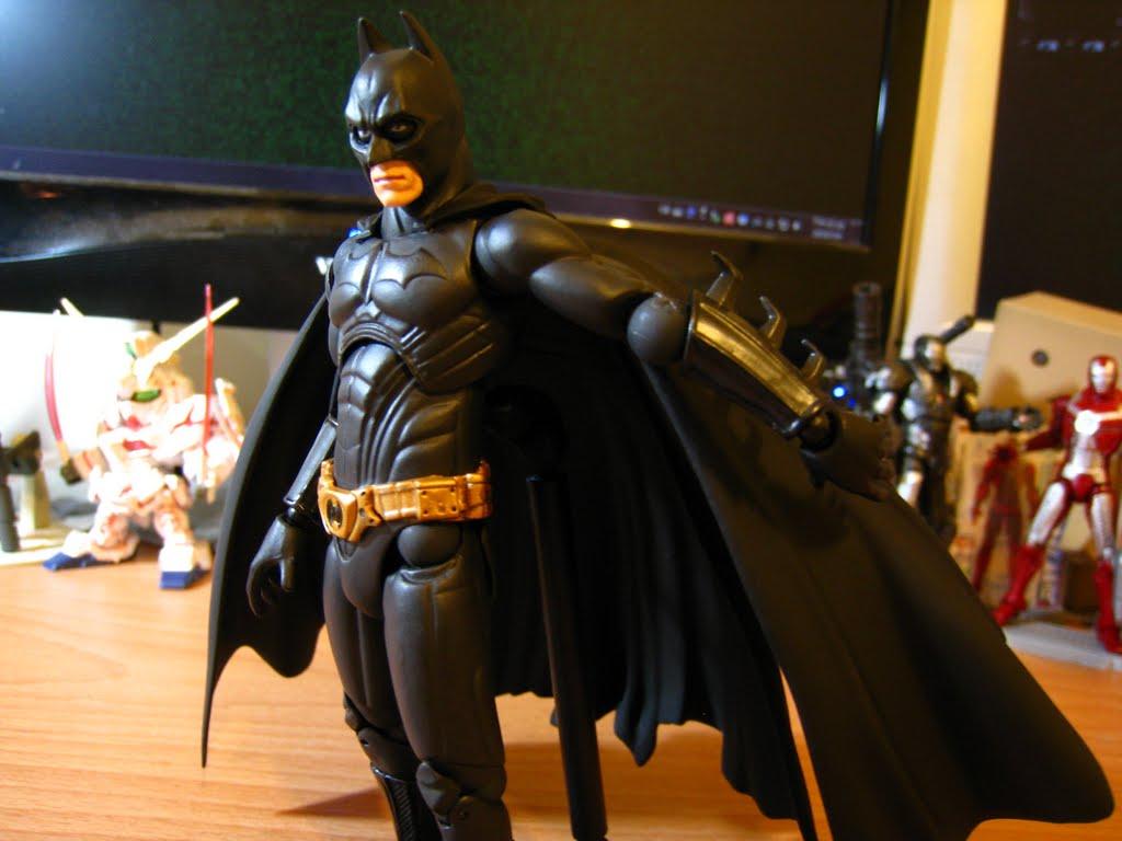 而且事實上~ 整件蝙蝠裝跟電影也不太一樣, 多少都有修過