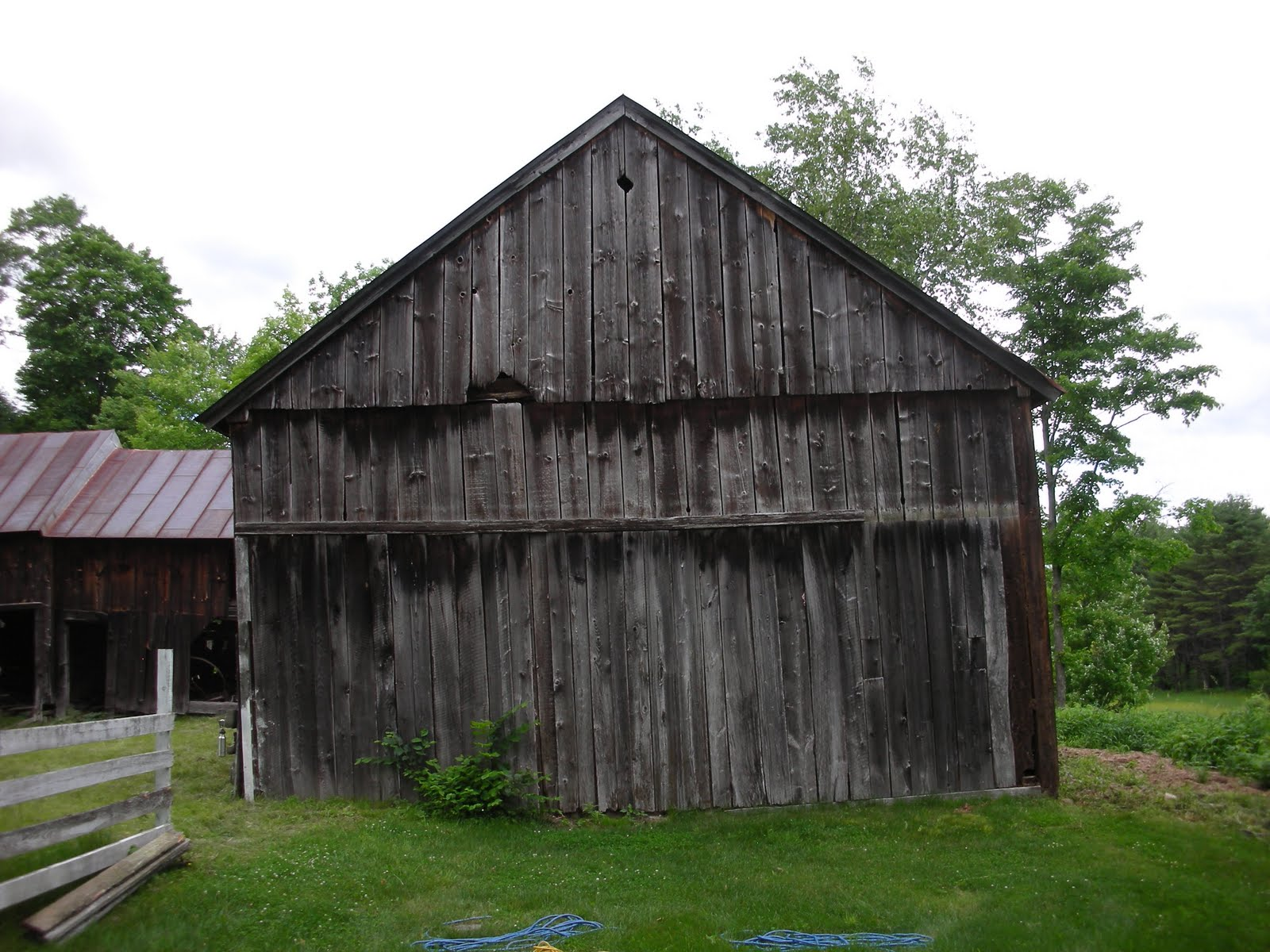 This gable wall shows the difference in elevation between the two eave walls.