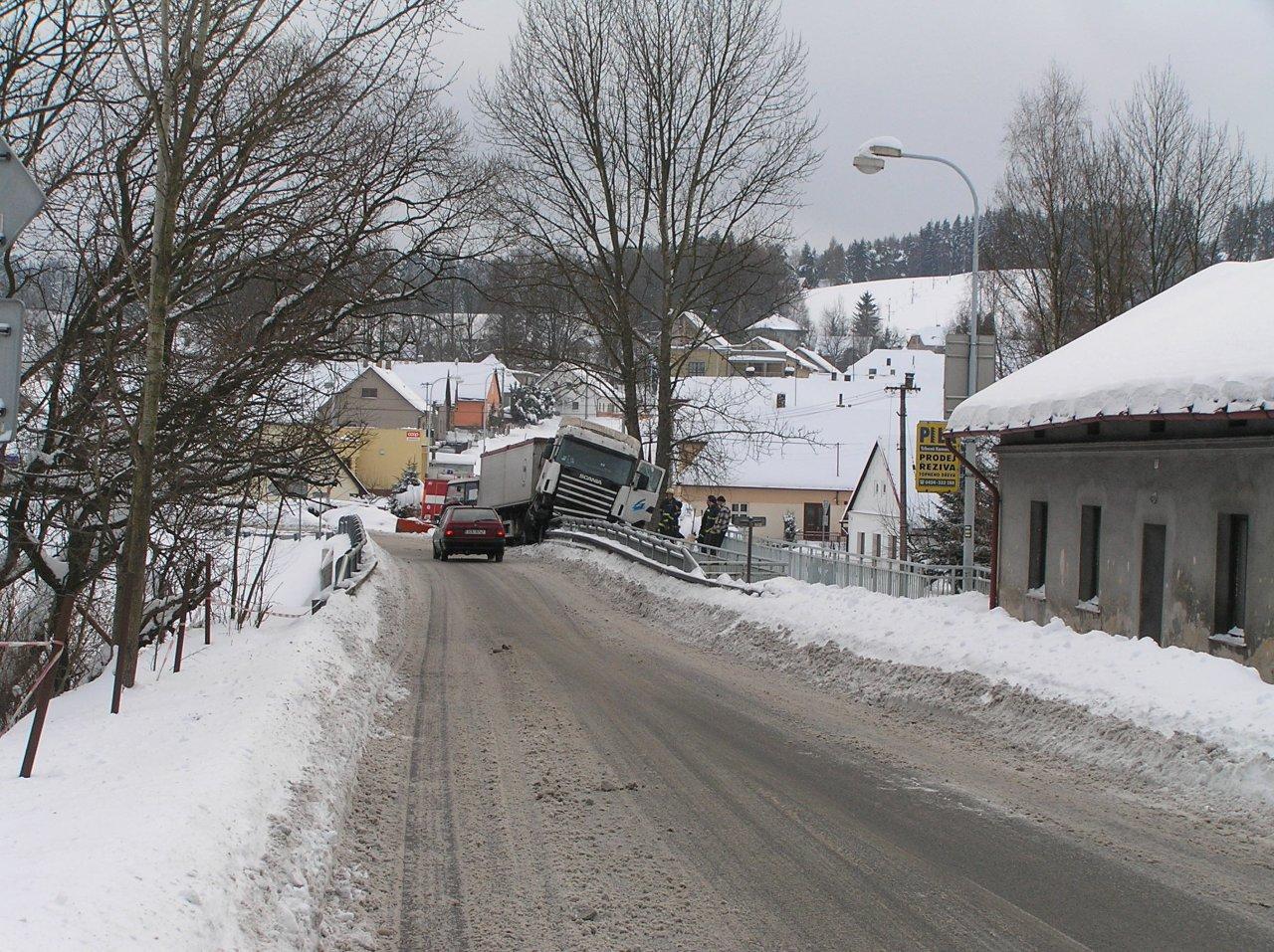 Nehoda kamionu - P1280078