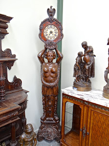 Антикварные напольные часы. 19-й век. Дерево, резьба.