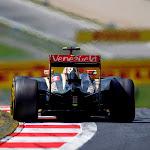 Pastor Maldonado, Lotus E22 Renault from behind