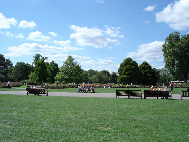 After a ride on the tube I went to Regents Park