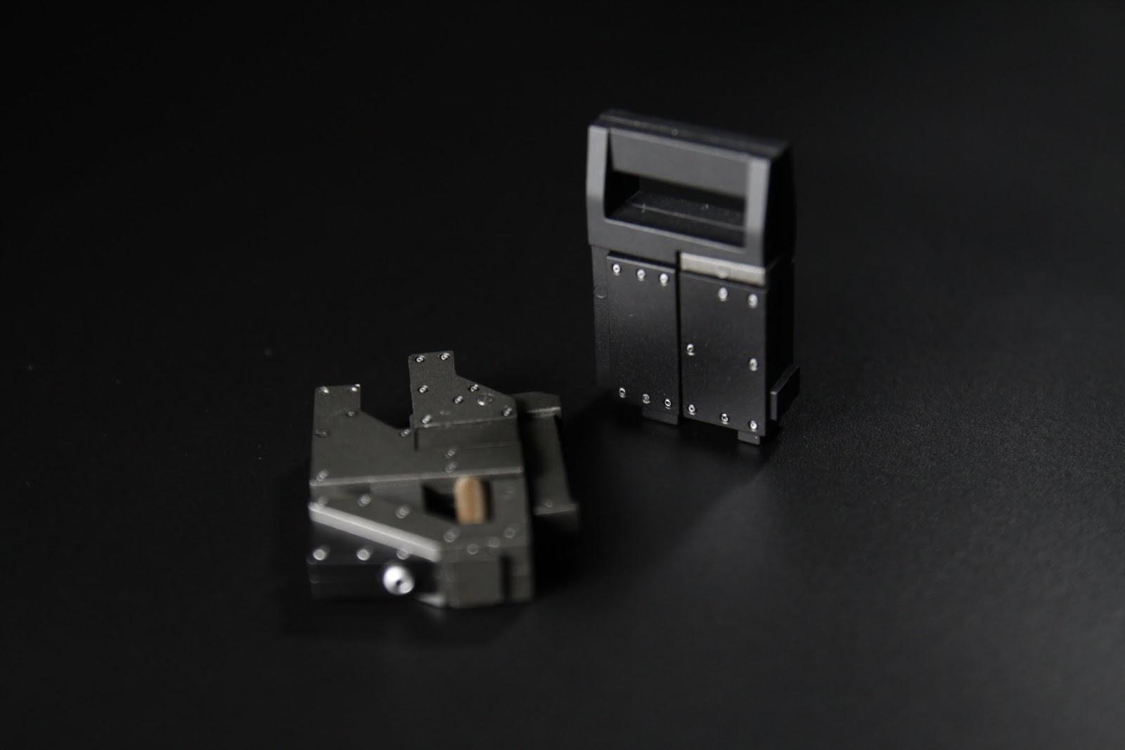 五把都可以拆卸便形成這樣, 但是這次沒有內嵌磁鐵