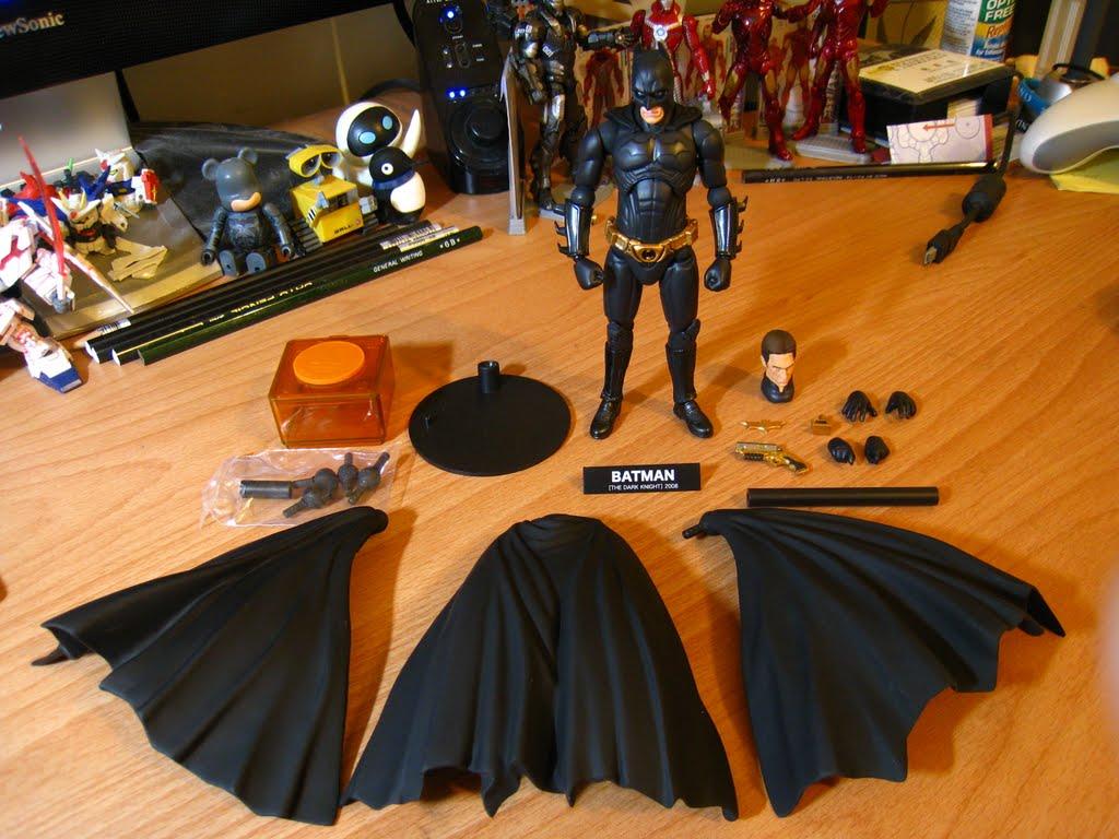 跟之前那個3.7吋鋼鐵人玩具比, 有沒有豐富很多?!