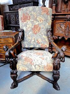 Красивое резное кресло. 19-й век.