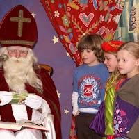 Sinter Klaas in de speeltuin 28-11-2009 - PICT6821