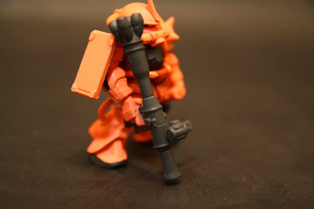 這支Bazooka是新模~ 我覺得比聯邦軍制式的好看!!