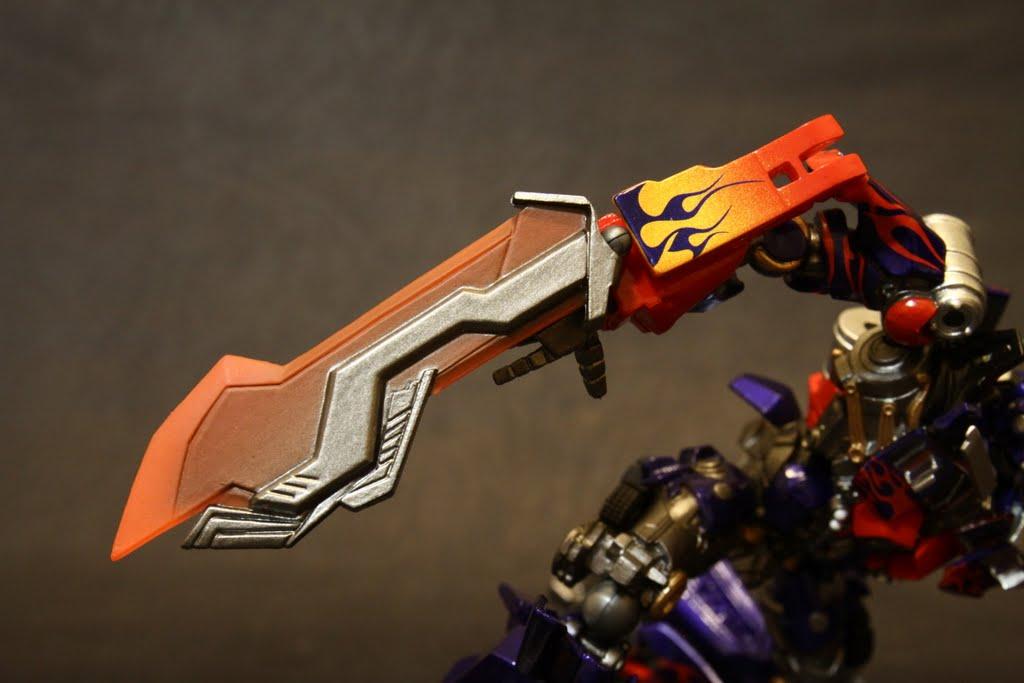 亮刀啦! 漂亮的賽柏坦刀 刀刃是有一點點透明