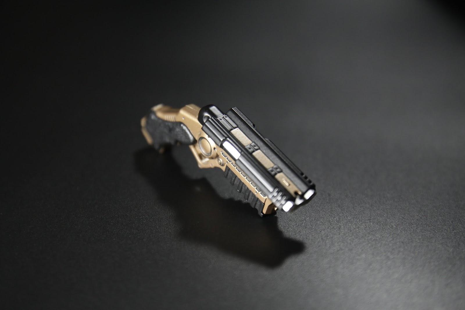 槍機雖然可以向後拉, 但是不能固定住