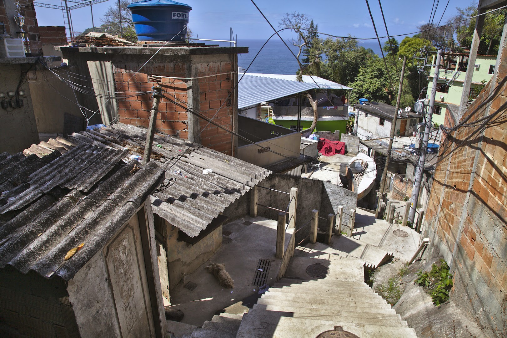 Favelas have numerous stairs and labyrinth-like streets. Lots of places for drug dealers to hide :-)