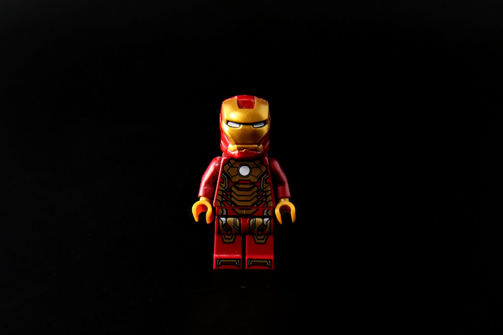 LEGO的鋼鐵人基本上只能從身上的樣子來分辨型號