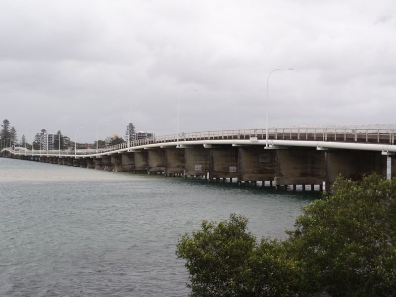 Bridge betwwen Tuncurry and Forster