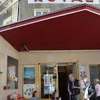 1_Première terrasse au Royal en compagnie du cinéaste Felix Tissi (à gauche).JPG