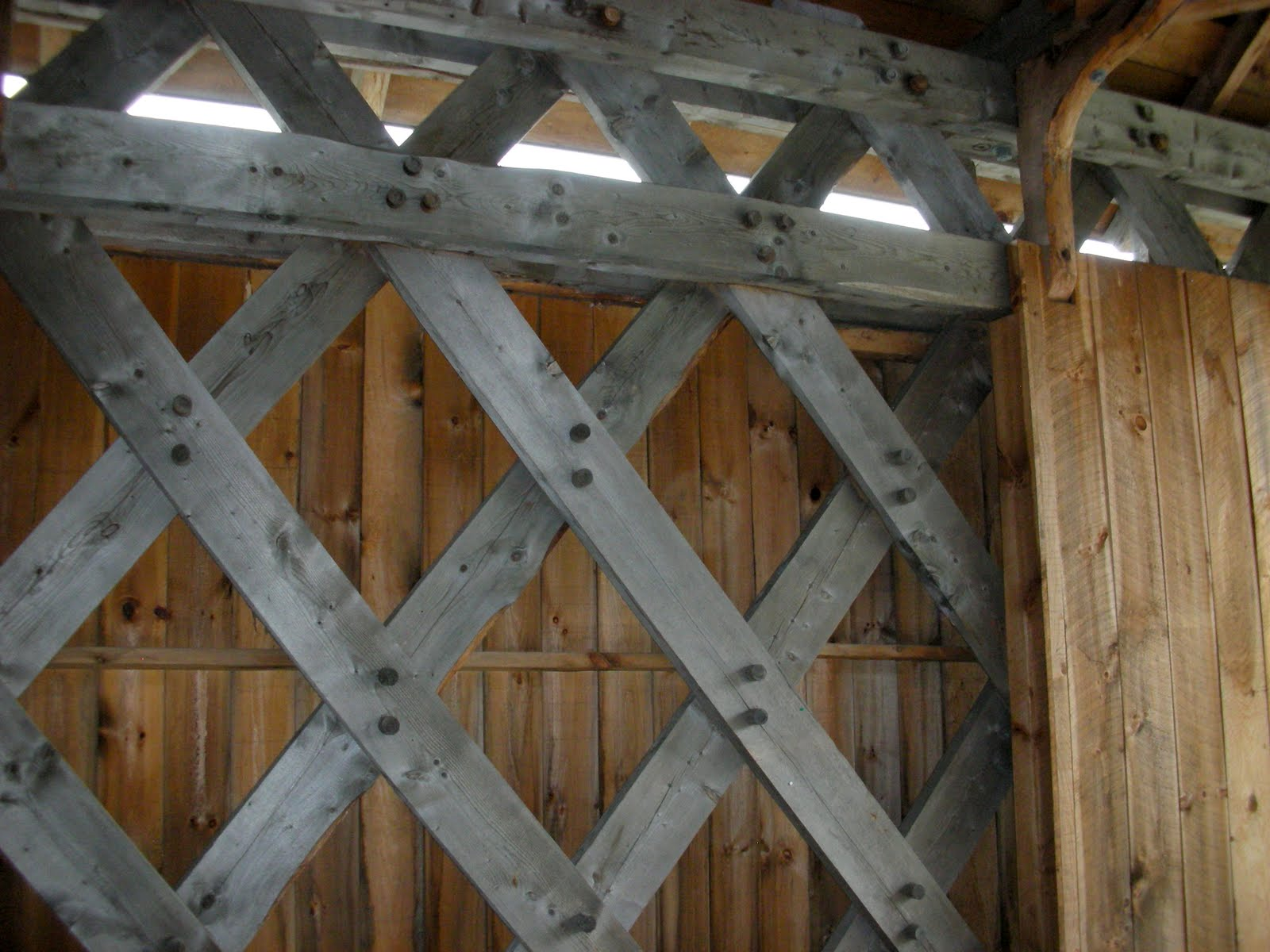 Lattice is made up of  spruce planking.