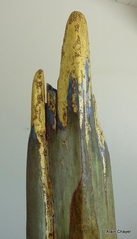 076.1 - Falaise d'Or (Zoom détail) - 1997 H 128,5 x 23 Sculpture bois doré et or