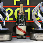 Prizes & Champagne for Mercedes