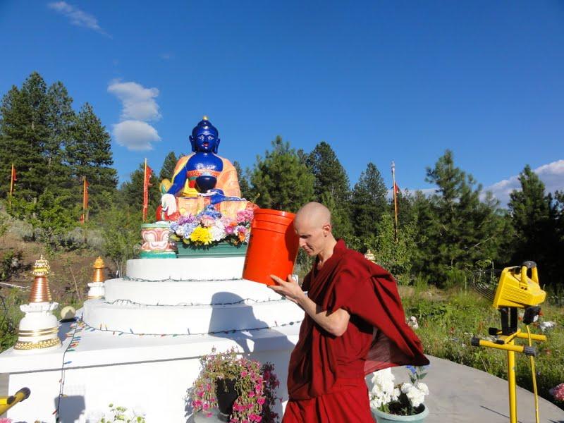 Liberating animals - circumambulating the animals around the holy objects