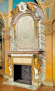 Музейной редкости каминный портал из мрамора и позолоченной бронзы. 19-й век. 231/61/457 см.