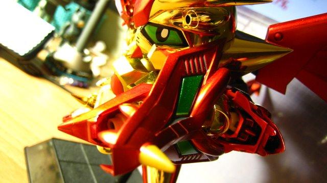 龍頭盾~嘴巴打開會噴火喔~~玩具不會