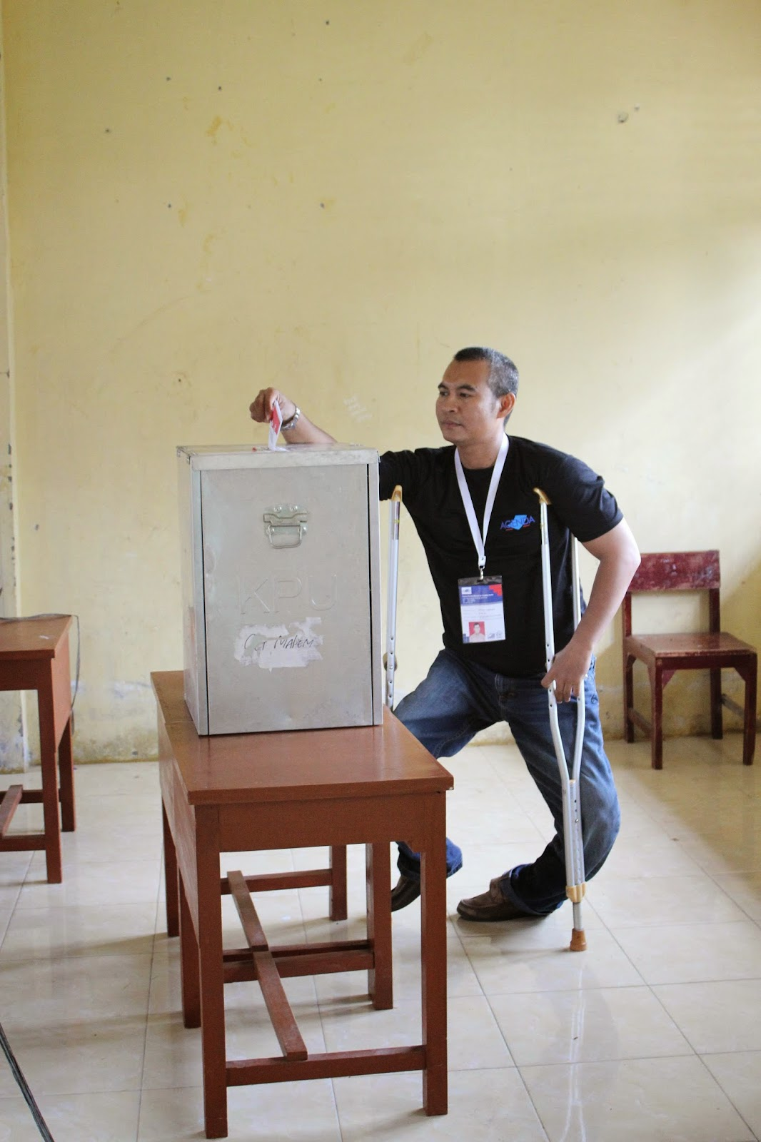 Physically impaired voter in Aceh
