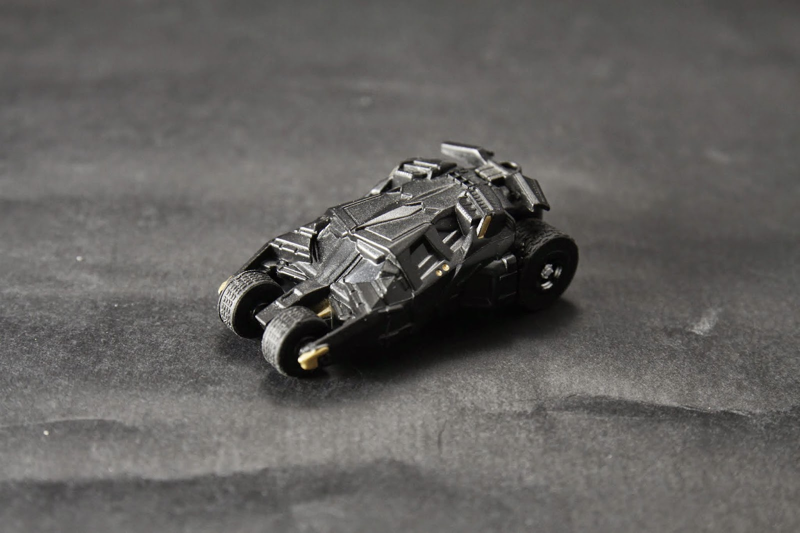 """BATMOBILE TUMBLER"" ""Batman Begins"" & ""The Dark Knight""登場"