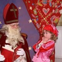 Sinter Klaas in de speeltuin 28-11-2009 - PICT6795