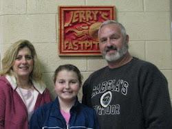 Alexi Dellinger and her parent