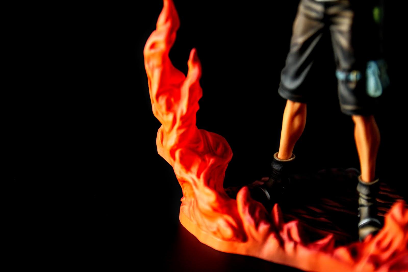 火拳艾斯, 有火焰在旁邊是必須的